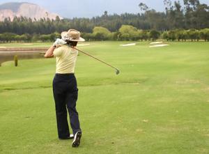 V-1053188-Female-Golfer-300px